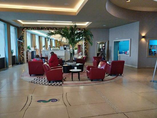 Lovely foyer, great for after-dinner drinks.