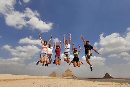 私人遊覽金字塔,駱駝,埃及博物館,felucca,午餐,聲音和燈光秀V.i.p
