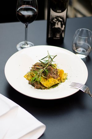Pappardelle with wild boar. And our wine suggestion: Primitivo. Picture by Jella Lena van Eck.