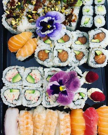 La nostra Sushi maker Giada Zambardi si supera con questo capolavoro, consegna super! 🚚