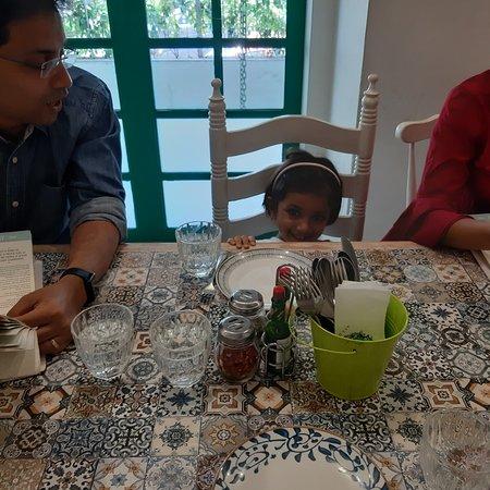 Mumbai, India: Grandmama's all day Cafe, Juhu