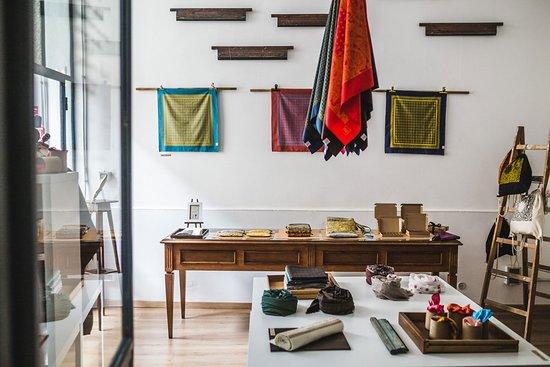 Dezen Dezen - Workshop and boutique