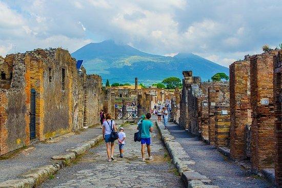 Explore Naples, Pompeii and Amalfi...