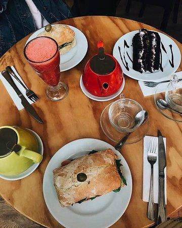 Café Hygge: Once o desayuno Hygge , elige tú té o café y compártelo con quien quieras!!!