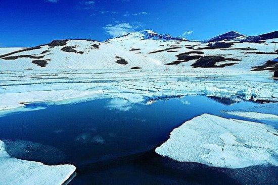 吉普車之旅到琥珀-阿拉加特山-卡里湖
