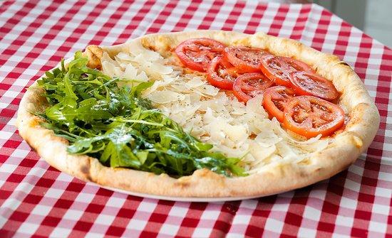 """Pizza """"Tricolore"""""""