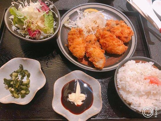 Matsuya Unizo Inn Kobe Sannomiya: 吉列蠔套餐很美味!