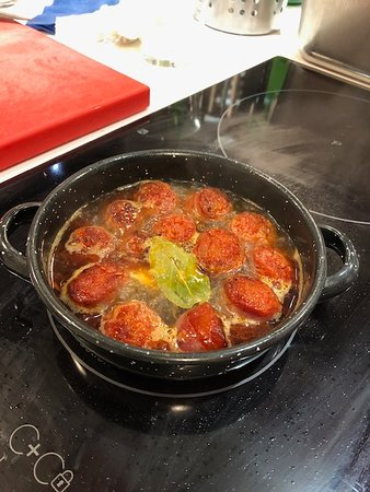4-hour Spanish Cooking Class in Madrid: Chorizo Tapas
