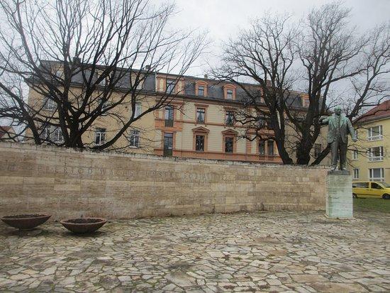 Ernst Thaelmann Denkmal
