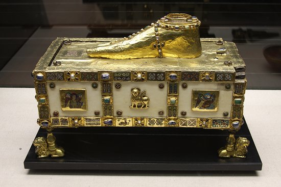 Unusual golden foot reliquary