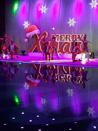 Royalton Riviera Cancun Resort N Spa - Christmas Entertainment