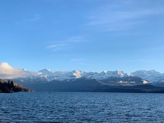Vue sur le lac de Thoune