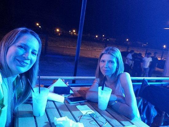 Villa Regina, Argentinien: Noche del Valle con Gabi😍