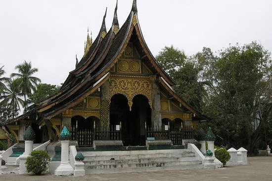 Guidet Utforskende Luang Prabang...