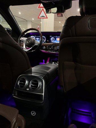 Emirates: First Class pickup in Dubai