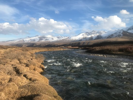 Suusamyr valley in October. 