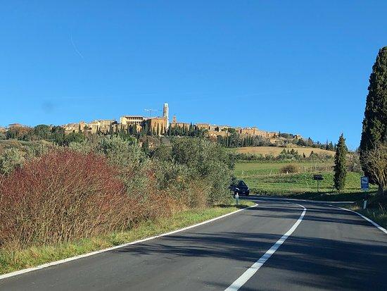 Cacio - Targa - Pienza da lontano .....