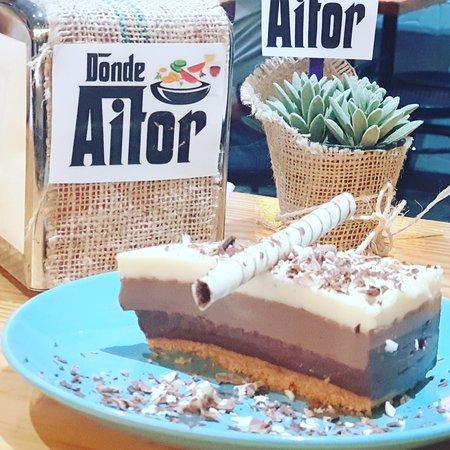 Vueltas, España: Tarta de 3 chocolate