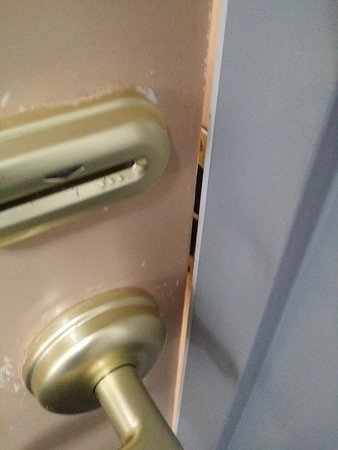 Deer Park, TX: This is the giant gap in the door frame.  You could easily open this door without a key with just a butter knife.  This does NOT feel secure in any way.