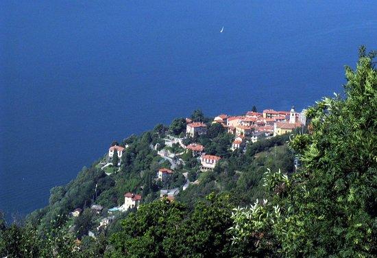 Pino Lago Maggiore, Italien: Pino from Sasso di Pino