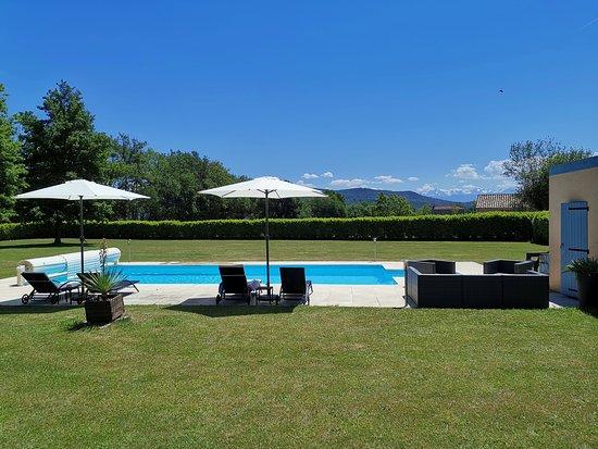 Martres-Tolosane, Франция: Chambre d'hôtes à Martres Tolosane, avec piscine et spa. Chambres entièrement rénovées