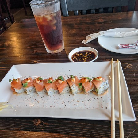 Van Alstyne, TX: Enjoyed the sushi, very fresh and tasty. Staff friendly and attentive. Impressed by cleanliness of the dining area.