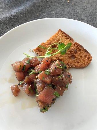Raw Tuna with Seasame and Corriander