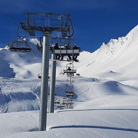 Sainte-Anne-La-Condamine, Francia: Superbe Station de Ski familiale ! 2 années déjà que nous profitons de cette petite station de ski à côtė de Barcelonette. Location très peu chère. Remontée mécanique peu chère également. A l'année prochainte