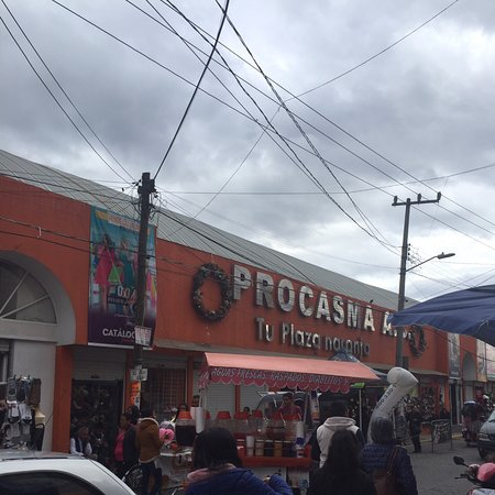 San Mateo Atenco, Mexico: Plaza naranja (zapaterías de fabricantes