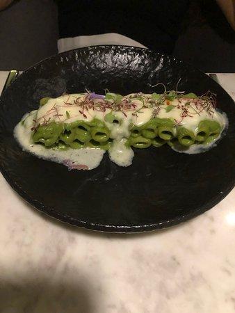 Pasta with artichoke cream sauce