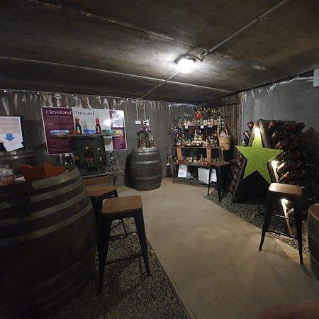 Cleveland winery 2 nights. Stunning