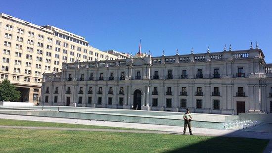La Moneda  - lindo palácio