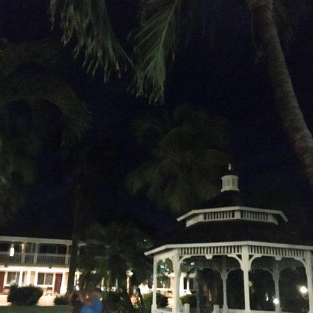 Antigua: Pineapple Beach Club