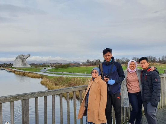 Kelpies and Falkirk Wheel Private Tour for 1 - 4 people from Greater Glasgow: Well done Tartan Tours for making my 3 teenagers and 73-year-old mother happy!