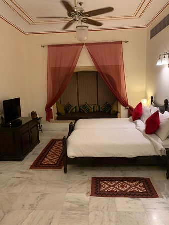 Very spacious room