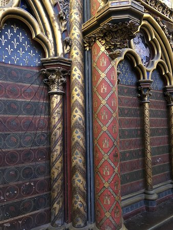 Sainte-Chapelle: painted walls and columns in the upper chapel