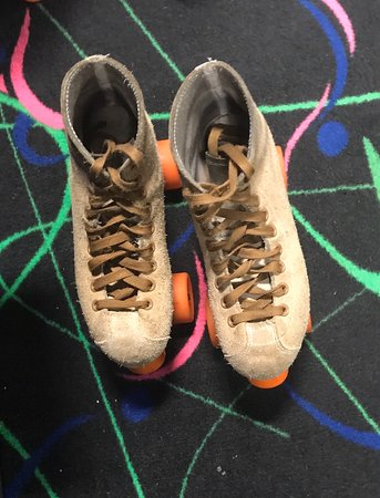 Taunton, MA : Retro skating!! Inline and regular skates available!