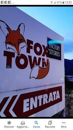 "FOX TOWN "" Una Garanzia"""