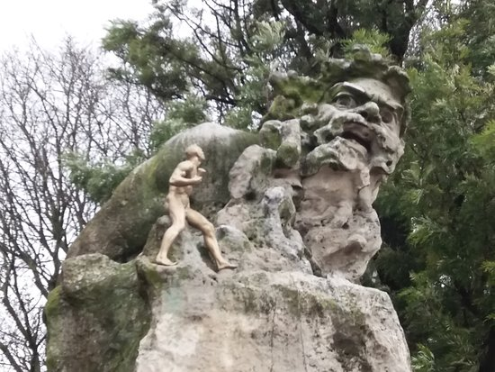 Estatua O Adamastor