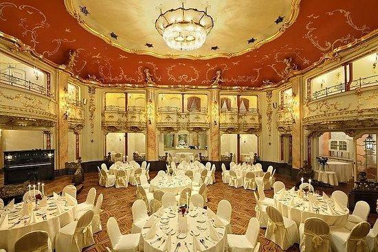 プラハで開催されるモーツァルトのコンサートとディナー