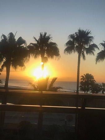 Sunrise aus meinem Bett im Winter morgens um 8 Uhr!