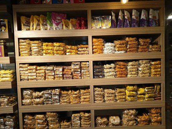 Mattanur, Ấn Độ: Cloud 9 Bakery & Restaurant