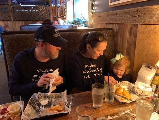 Foggy Rock Eatery and Pub: Great afternoon break with child