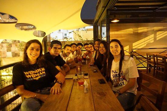 Garrison Bar and Beer Garden: Ven y disfruta con tus amigos!!!