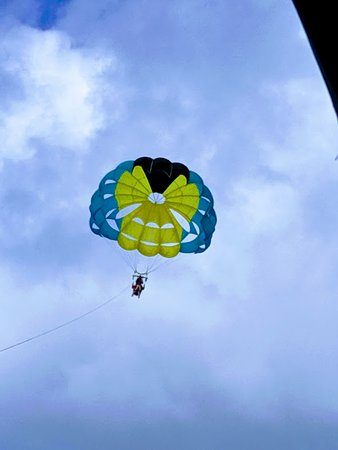 Parasail Over Cabbage Beach: Cabbage Beach