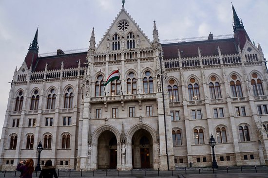 Choose 5 Private Transfers: Budapest, Vienna, Salzburg, Munich, Berlin & Prague: Vienna
