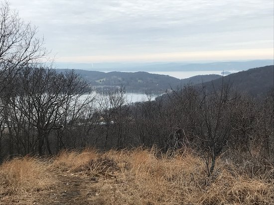 Hudson river views from Hook mountain