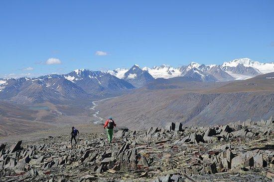 Ein Tagestrekking zum Tsetsee Gun Peak