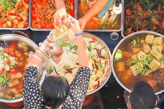 תמונה מChiang Mai Small Group Foodie Tour - Night Market Thai Food Tour