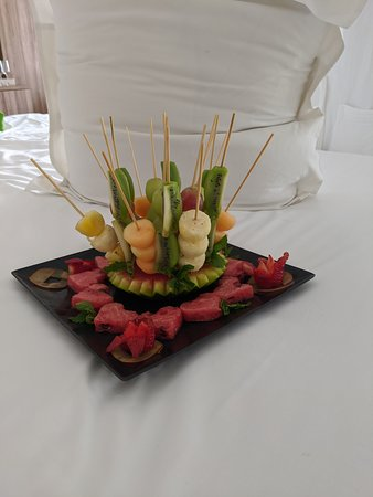 This was the extra fruit plate we were given!!